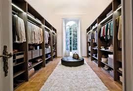 Ide Ruang Ganti Pakaian yang Menjadi Impian Wanita